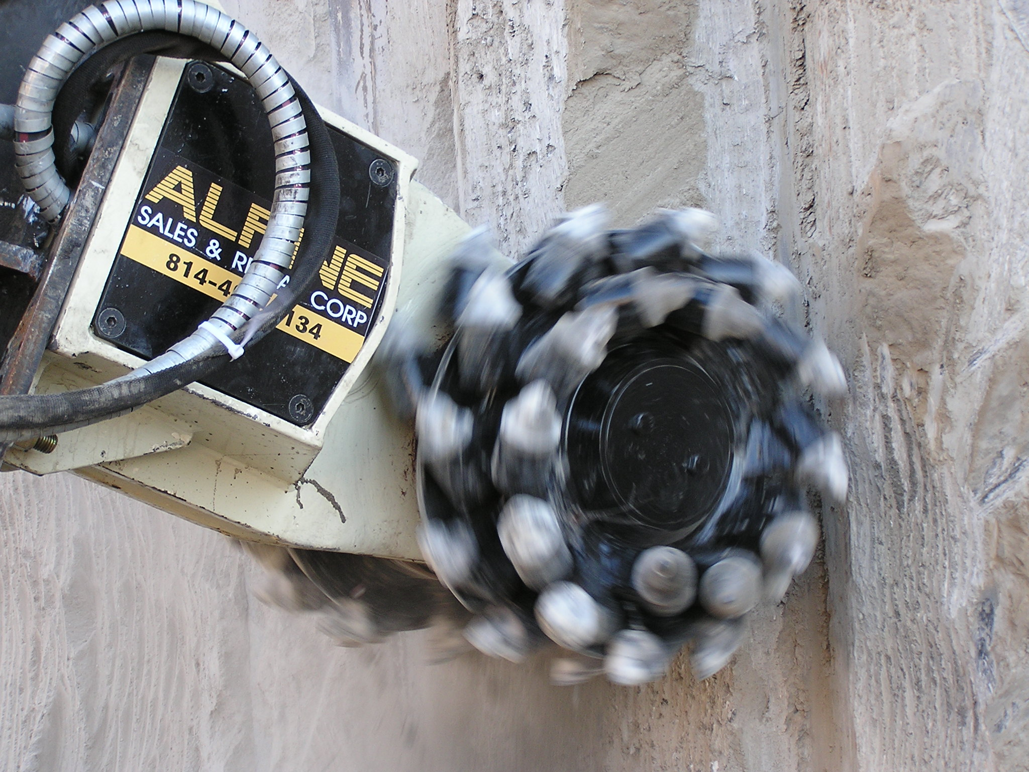 Secant Wall scaling with Alpine cutterhead